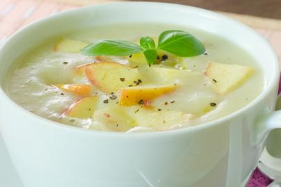 Selymes, fűszeres almakrémleves - Melengető finomság a hűvös napokra