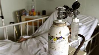 Megtelt a ceglédi Covid-ellátóhely, sok a koronavírusos dolgozó