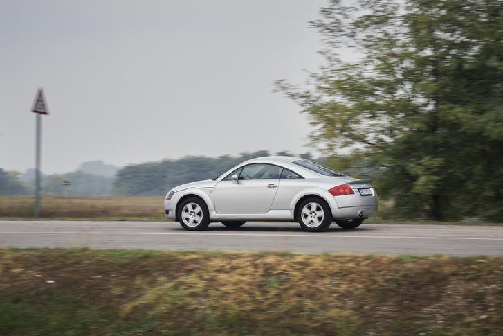 Napi rutin, bulimobil, vagy több hetes autós túra: a TT tudja bármelyiket, pályanapra azonban talán nem elég éles szerszám