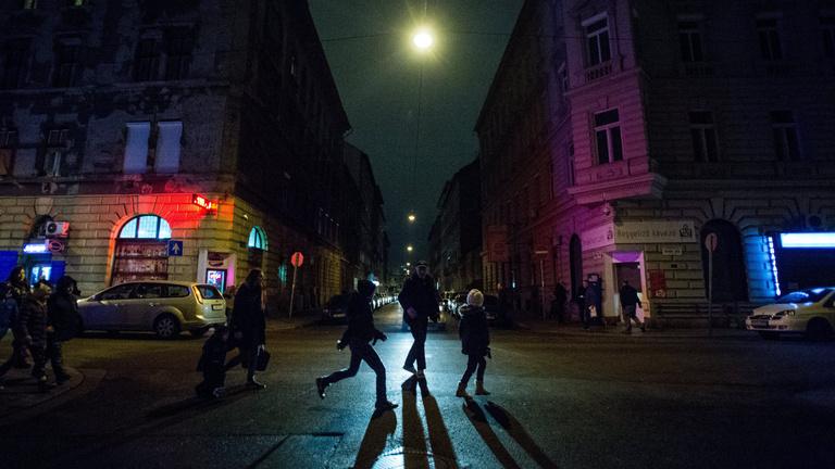 Éjszakai boltzárat hoz Orbán Viktor bejelentése