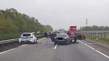 Tömeges baleset az M5-ös autópályán