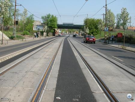 A sín két kereszteződés között.