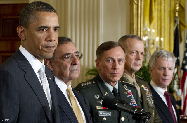 Barack Obama, Leon Panetta, David Petraeus és Jim Allen és Ryan Crocker