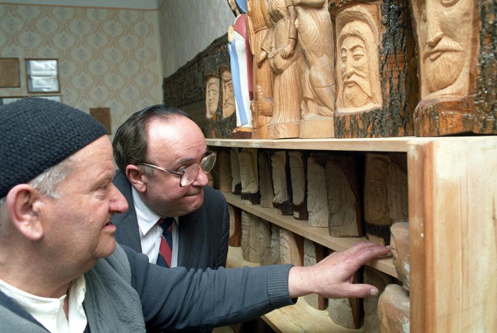1991. május 19-én Torgyán József volt a díszvendég a pünkösdkor hagyományteremtő céllal rendezett falunapon Csanyteleken.