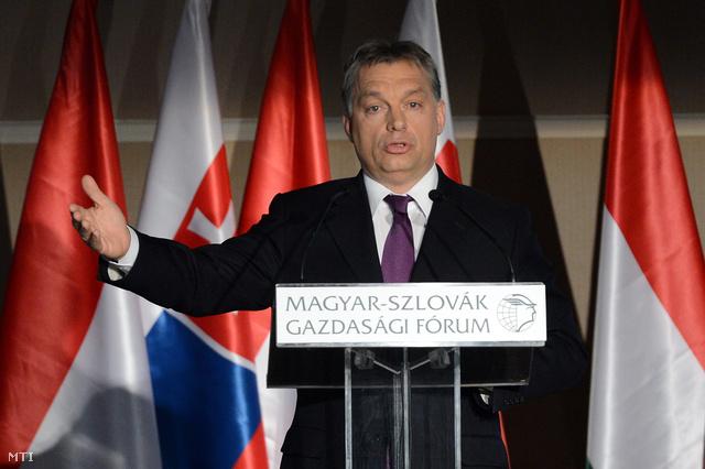 Orbán Viktor miniszterelnök felszólal a Magyar Kereskedelmi és Iparkamara (MKIK) által rendezett Magyar-szlovák gazdasági fórumon