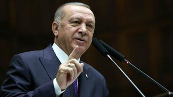 Rászálltak a törökök a közösségi médiára
