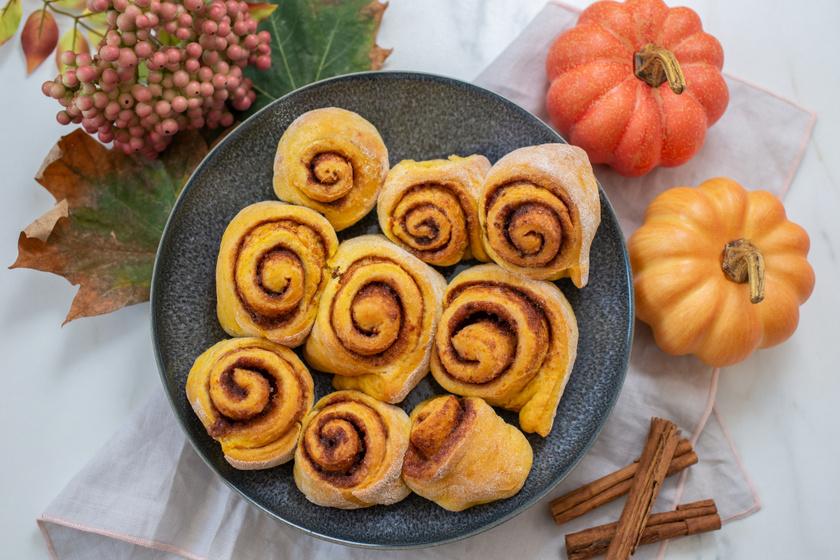 Fahéjas-sütőtökös csigák: foszlós kelt tésztából a legfinomabb