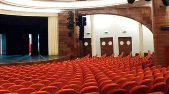 Bezár a Belvárosi Színház a járványhelyzet miatt