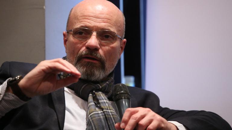 Zacher Gábor az Indexnek: Az embereknek tele van a töke a több hónapos bezártsággal