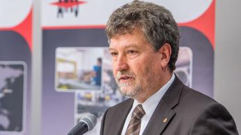 A polgármesteri hivatalban nem, a Fidesz-irodában mégis tartana fogadóórát a polgármester?