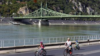 Civil szervezetek kérnek a főpolgármestertől a bringa- és gyalogosbarát rakpartot