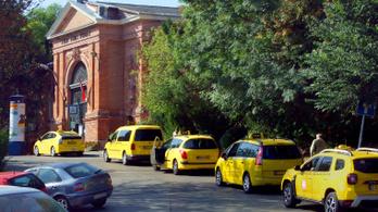 2022 végéig örülhetnek a magyar taxisok