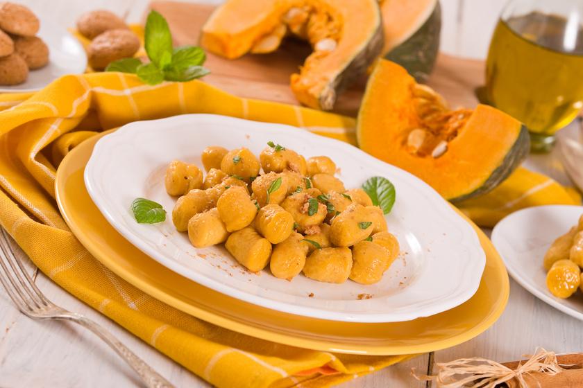Színes, lágy tésztájú sütőtökös gnocchi: vajon pirítva lesz a legfinomabb