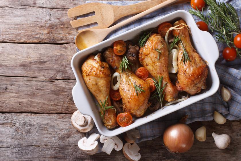 Gombával sült csirkecomb: omlós, szaftos fogás a sütőből