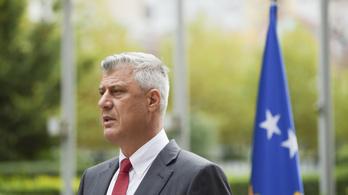 Vádemelés nyomán választ államfőt Koszovó