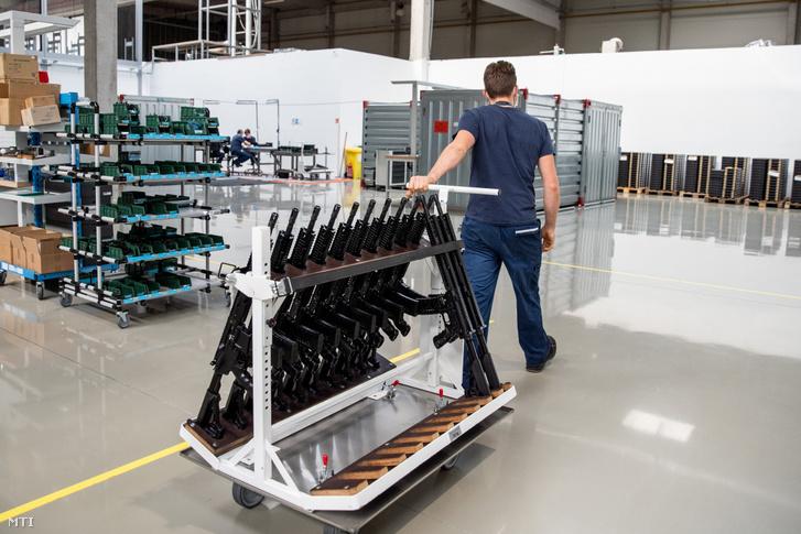 A HM Arzenál ElektromechanikaiZrt. kiskunfélegyházi gyára 2020. november 6-án