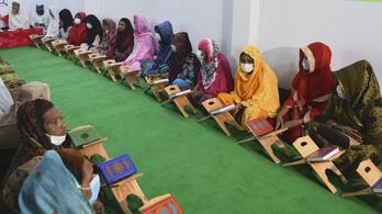 Transzneműek számára nyílt Korán-iskola Bangladesben