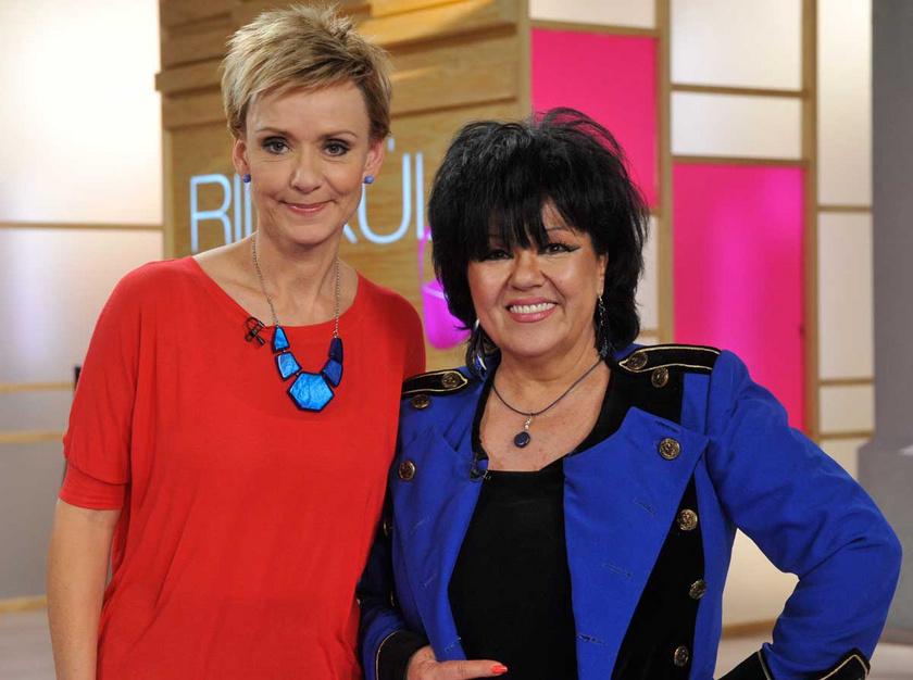 2013 májusában Jakupcsek Gabriella műsorvezetővel az M1 Ridikül című női beszélgetős műsorában.