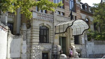 Semmelweis Egyetem: álhír, hogy pszichiáterek kezelnek lélegeztetőgépet