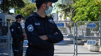 Huszonhat pedagógust vettek őrizetbe a török hatóságok