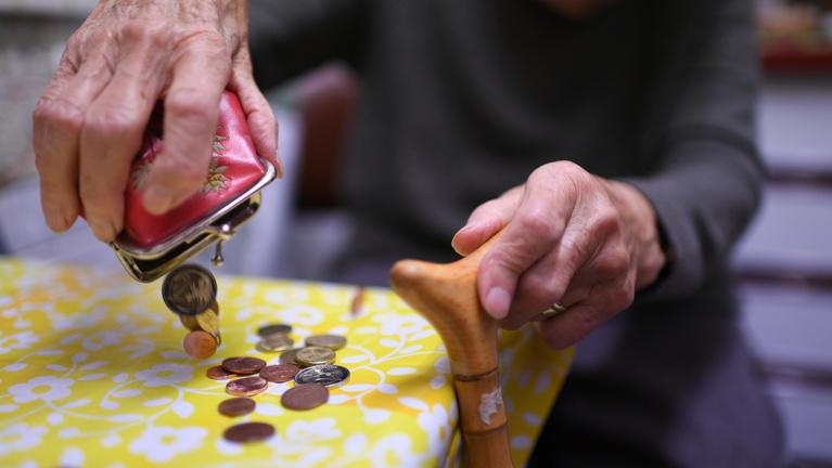 Tényleg éhen fognak halni a katások, ha nyugdíjba vonulnak?