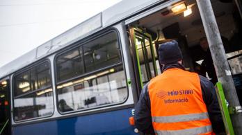 Pótlóbuszok a pécsi vonalon, kimaradó vonatok a vácin