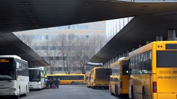 Hétfőtől sűrűbben közlekednek a Volánbusz járatai, itt vannak a részletek