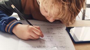 Most komoly, hogy karácsonykor is tanulniuk kell a gyerekeknek? Te mit gondolsz erről?
