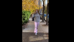 Jennifer Lawrence kicsit megháborodott örömében az elnökválasztás után