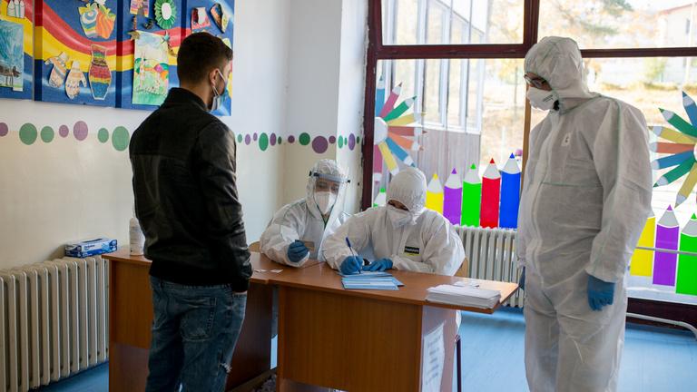 Szlovákiában szombaton 8172 fertőzöttet találtak