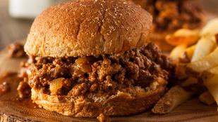Van otthon egy adag darált hús? Készíts belőle Sloppy Joe hamburgert!