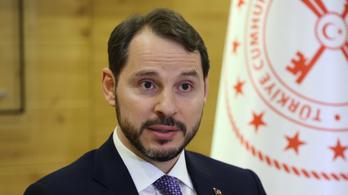 Lemondott a török pénzügyminiszter