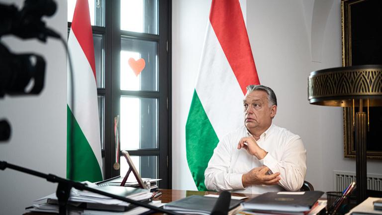 Orbán: Szigorítunk, bezárjuk az éttermeket, stadionokat és középiskolákat