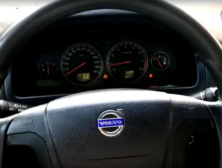 volvo airbag recall