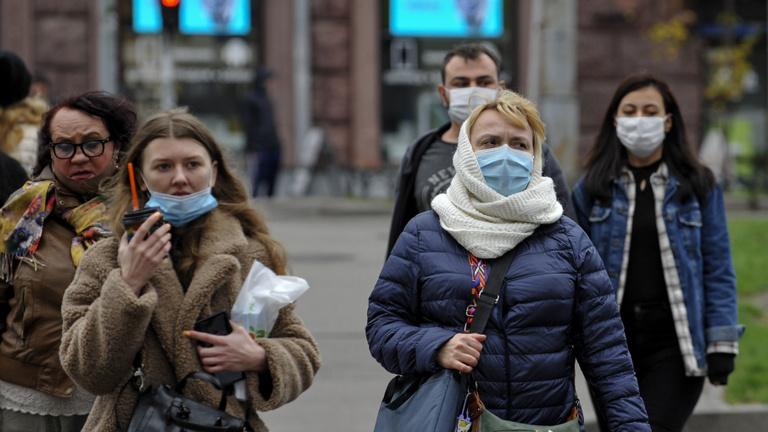 Ukrajnában nyolcezer felett az új fertőzöttek száma