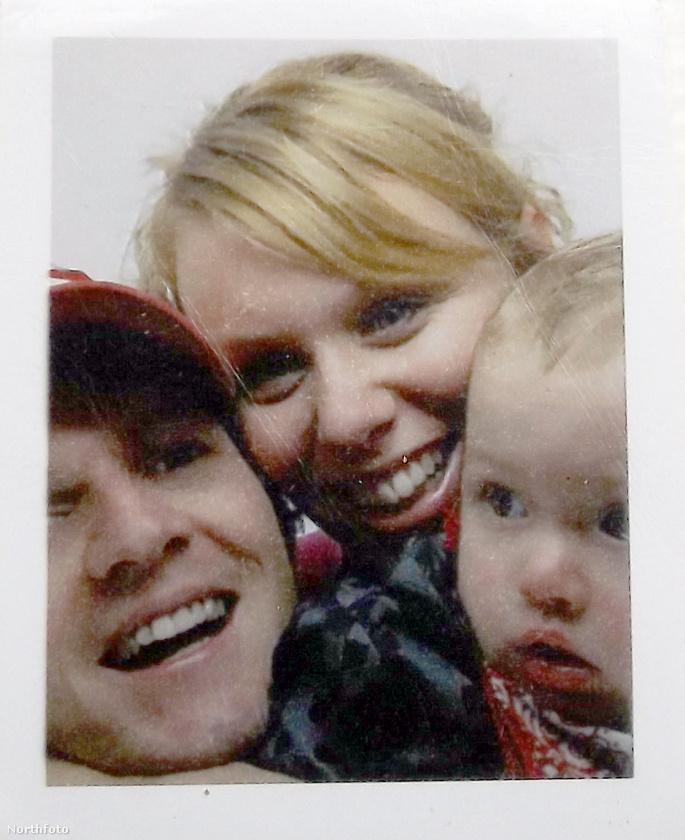 Íme, a szerelmespár első gyermeke, Elijah, aki 2003-ban született