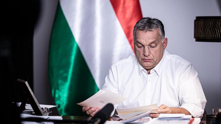 Lépésről lépésre: Orbánt a második hullám kényszerítette szigorításra