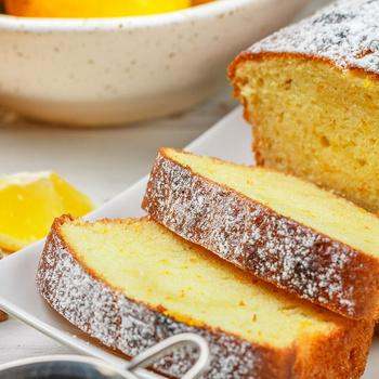 Egyszerű citromos-joghurtos sütemény: napokig szaftos és puha marad a tésztája