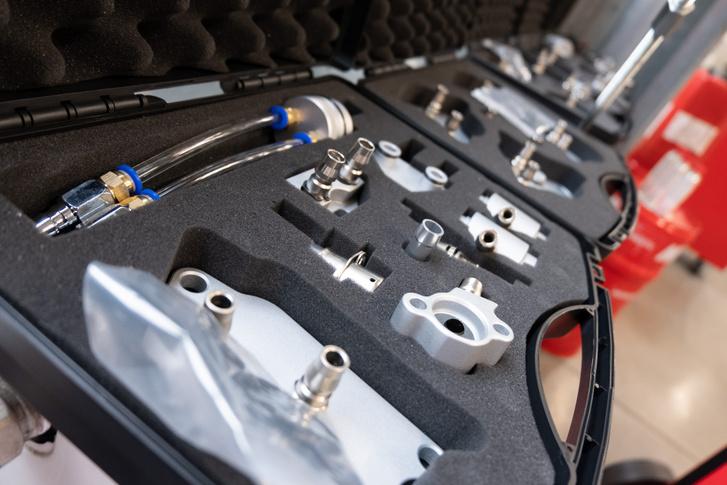 Az adapterek egy része a szűrő helyére csatlakozik