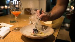 Fine dining feszengés nélkül, családias légkörben – végigettük a SALT menüjét