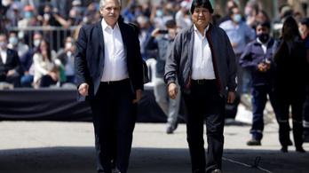 Hazatért a száműzetésből az egykori bolíviai elnök, Evo Morales