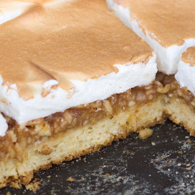 Isteni finom, habos almás pite: az édes töltelékre roppanós tojáshab kerül