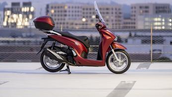 51 köbcentivel izmosodott a Honda SH350i