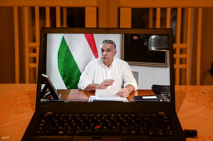 Orbán Viktor a részleges kijárási tilalom bejelentésének napján 2020. november 9-én