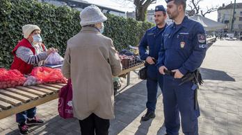 Ezekben a városokban visszatér az idősek vásárlási sávja