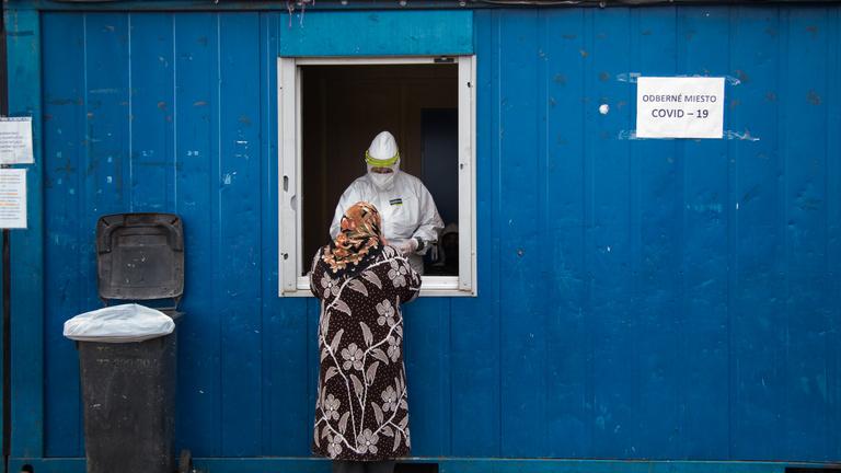 Szlovákia: kétszáz emberből három fertőzött