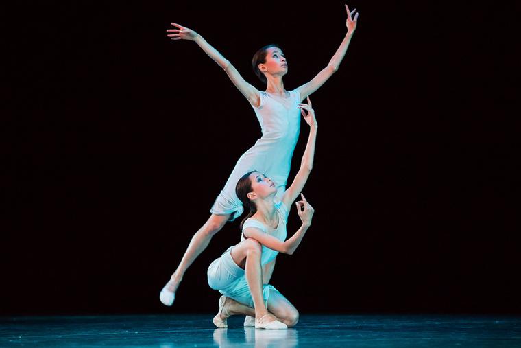 A balett-táncosok nemcsak szólóban, párban is versenyeznek