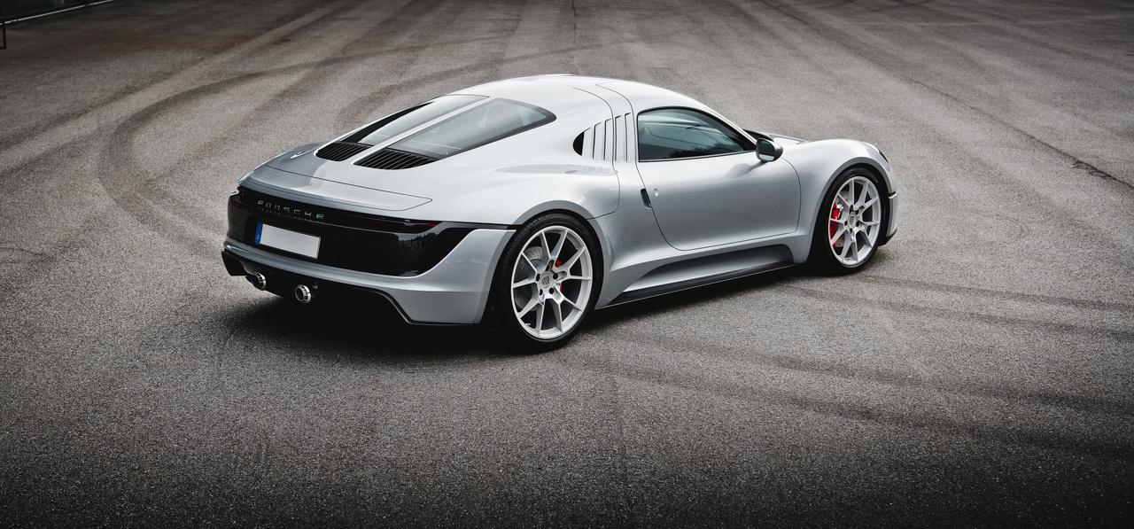 Az eredeti verzió csupán 550 kilós volt, 78 lóerővel, a versenyen Helmut Glöckler és Hans Herrmann ült a volán mögött.