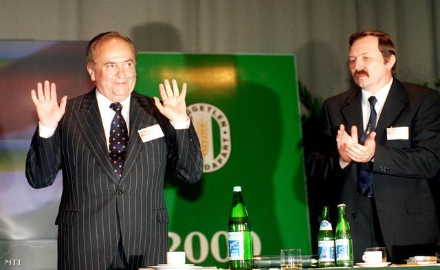 Torgyán a földművelésügyi és vidékfejlesztési minisztérium éléről 2001. február 15-i hatállyal lemondott, miután befejezte a megbeszélését Orbán Viktorral. Torgyán utódjául Gyimóthy Gézát ajánlotta. Helyette végül Boros Imre, majd márciustól Vonza András lett az agrárminiszter.