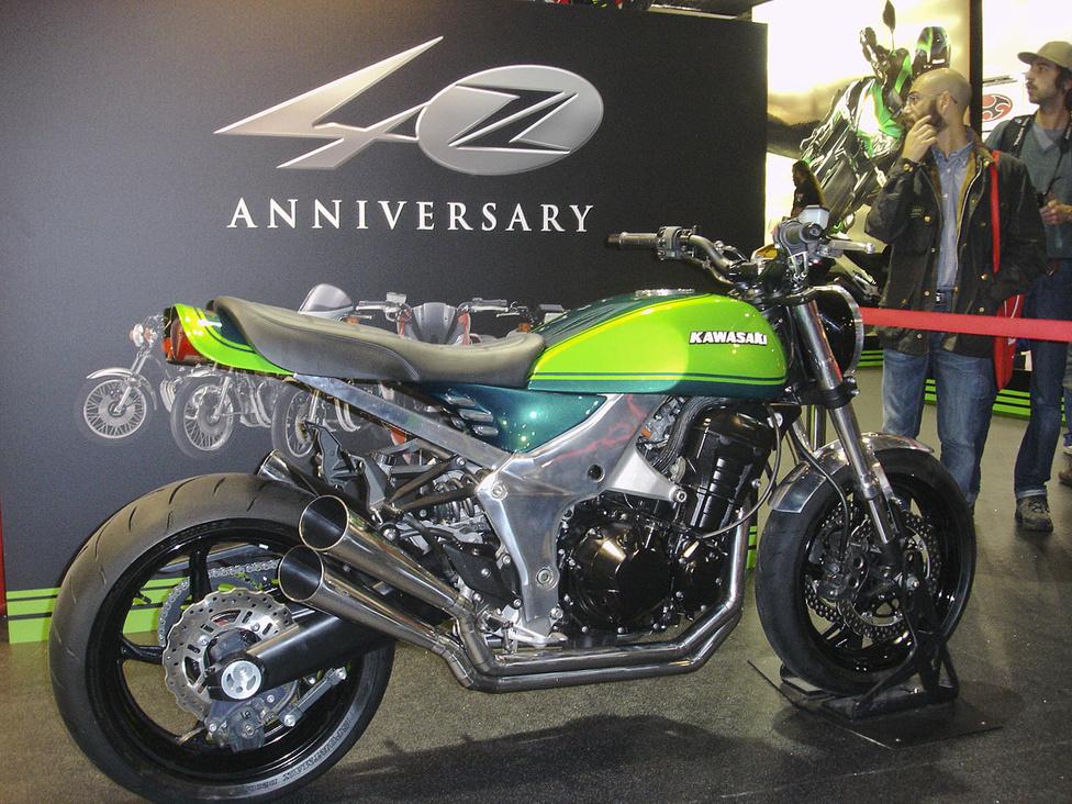 A régi Z Kawasakit idézi a modern technikai alapra húzott koncepciómotor